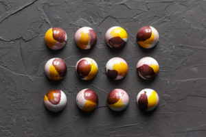 Курс по шоколадным конфетам и декору